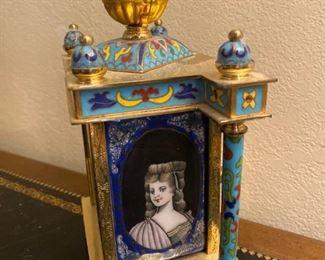 Cloisonné double portrait clock