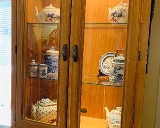Lexington Lighted Cabinet, Tea Sets