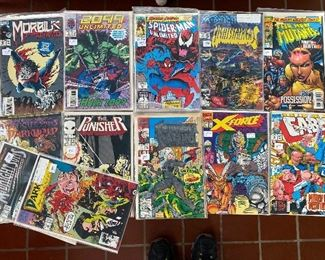 GROUP OF COLLECTIBLE COMICS