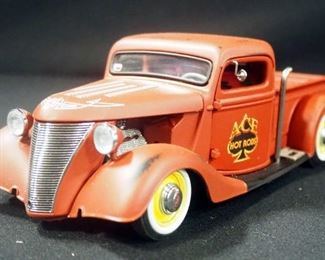 """Danbury Mint 1935 Ford Pickup Vintage Hot Rod With """"Title"""""""
