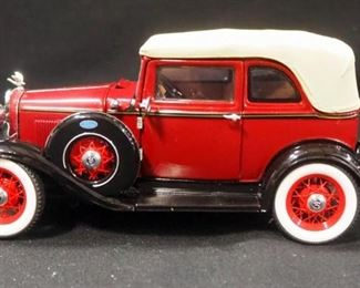 Franklin Mint 1:24 Scale Diecast Bonnie & Clyde's 1932 Ford V-8