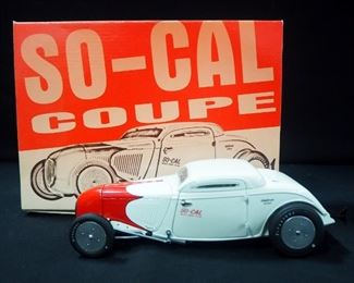 Collection Of '30s, '50s And 60's Diecast Cars, 1:24 And 1:18 Scale