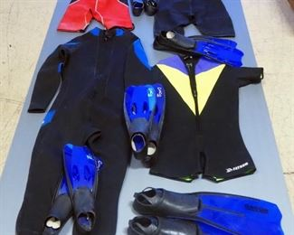XCEL And Fathom Short Wetsuits, XCEL Size 12, 16 And XL, Fathom Size Medium, Qty 4 And 5 Pairs Of Flippers, All Different Sizes