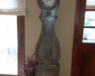 Banjo Shaped Grandfather Clock Needs Repair