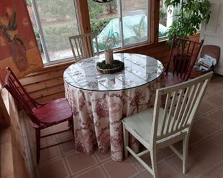 Shabby Chic Wicker Base Table with Glass Top and 4 Chairs