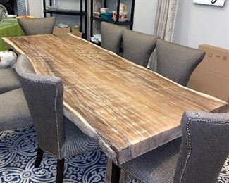 SUAR WOOD THE MAJESTIC RAIN TREE DINING ROOM TABLE W/8 CHAIRS