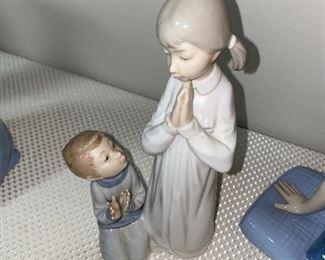 LLADRO TEACHING TO PRAY FIGURINE