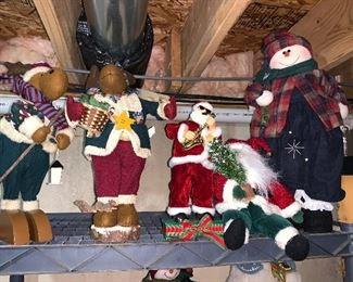 ANIMATED CHRISTMAS FIGURINES