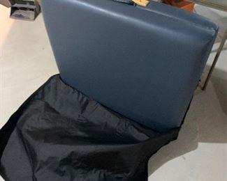 BLUE RIDGE PORTABLE MASSAGE TABLE