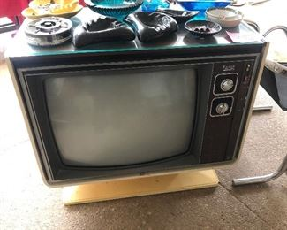 Zenith Console TV, very cool!