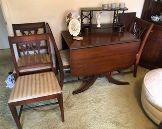 Duncan Phyfe drop leaf dining table with leaf and 4 chairs