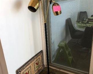 Mid Century brass floor lamp, (Not Working)