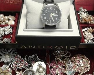 Android watch New In Box, sweet vintage bling!