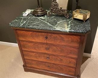 """ANTIQUE LOUIS PHILLIPE CHEST PURCHASED FROM NEW ORLEANS-GREEN MARBLE TOP 4 DRAWER CHEST WITH DOW TAIL DRAWERS 33.25"""" L x 20.25"""" D x 30.5"""" H"""