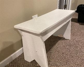 WOODEN PAINTED WHITE BENCH