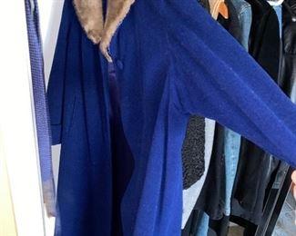 VINTAGE BLUE COAT WITH FUR COLLAR