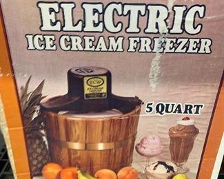 ELECTRIC ICE CREAM FREEZER