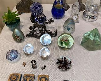 COLLECTION OF PAPERWEIGHTS