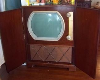 GE Cabinet TV 1960's