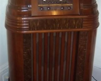 Philco Console Radio floor model-Works!!!