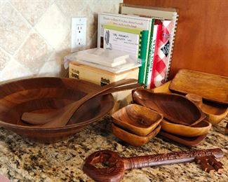 Wood serving pieces