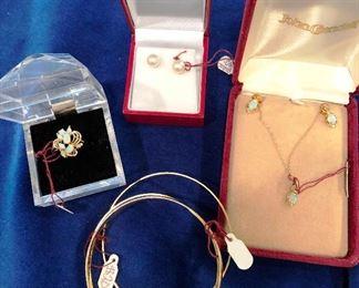 Opal ring, necklace & earrings, Pearl Earrings