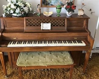 Come tickle my ivories by Kimball with matching bench!
