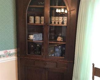 Very Nice Antique Corner Cabinet