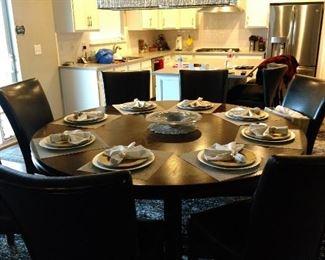 Beautiful kitchen table, seats 8