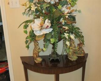 GORGEOUS FLORAL ARRANGEMENT - ANTIQUE TABLE