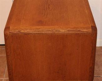 "Vintage 1980's Oak cube style end table (23""Square x 20"")"