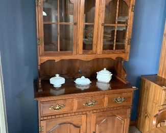 Thanksgiving Weekend Estate Sale Featuring Starts On 11
