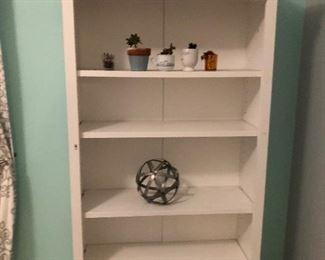 Matching Stanley  bookshelf