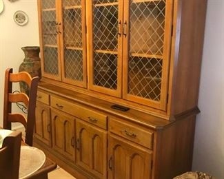 Solid Teak buffet hand crafted in Honduras. Exquisite craftsmanship, finely detailed.  Impeccable condition!