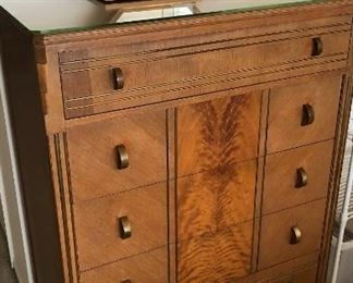 Northern Furniture Art Deco Chest of Drawers with Mirror