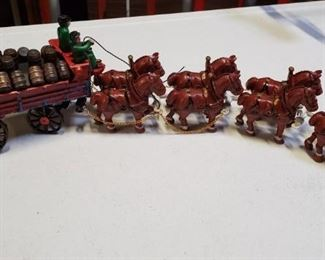 001 Cast Metal Toy Beer Wagon