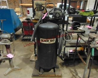 Coleman Black Max 60gal 220V vertical-air compressor (UNTESTED)