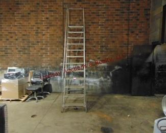 9 1/2' rolling warehouse ladder