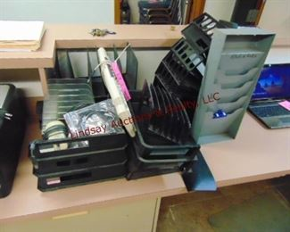 1 Lot office trays/ file holders