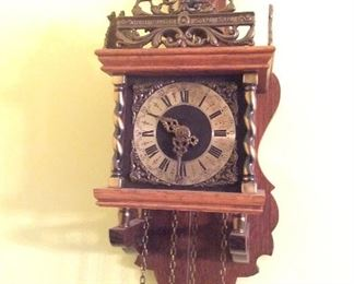 Antique Nu elck Syn Sin Weighted clock