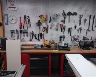 Tools, tools and more tools in this very large workroom.  More detailed pics the week of the sale.