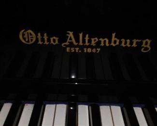 Otto Altenburg Piano.