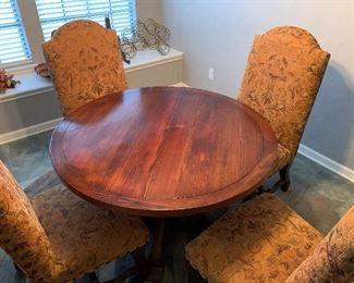 Beautiful dining set $450