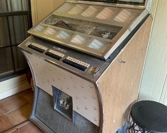 VINTAGE JUKEBOX 1960's SEEBURG DS160 Artist of the Week Coin operated. Worth $3500 if working. Needs work  Lights up. Asking $600