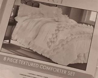 New King Size/Pearl White Amrapur Overseas Diana 8-piece Embellished Comforter Set