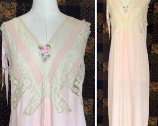 1920 UNWORN night dress with roses ribbon