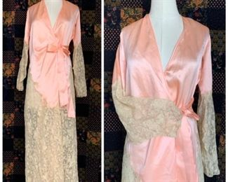 Stunning 1920s silk and lace boudoir robe
