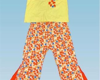1920s Beach Pajamas in ex cond . Size  Large. Inset fabric panels create an exaggerated flare.