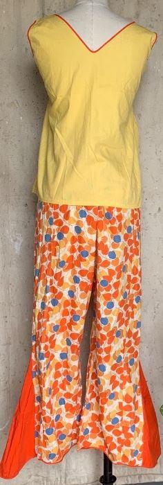 Back view of the 20s Beach Pajamas