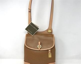 106A Dooney & Bourke Cabrio Leather https://ctbids.com/#!/description/share/288522